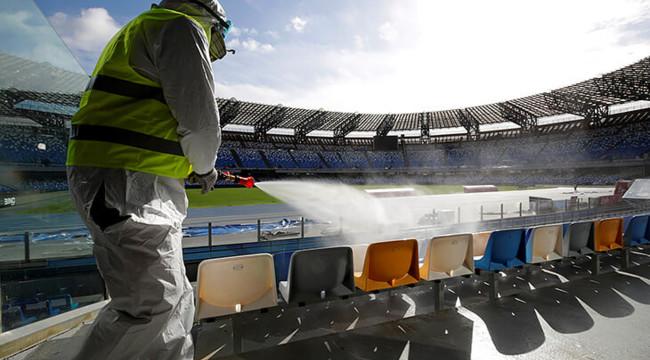 «Заболел даже тренер»: Украинский футбольный клуб вынужденно идет на карантин. 26 случаев коронавируса