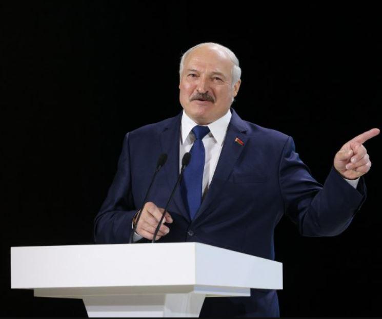 «Я хочу, чтобы это все услышали!» Лукашенко «вжарил» мощным заявлением. Поставил всех на место. «Не отдадим!»
