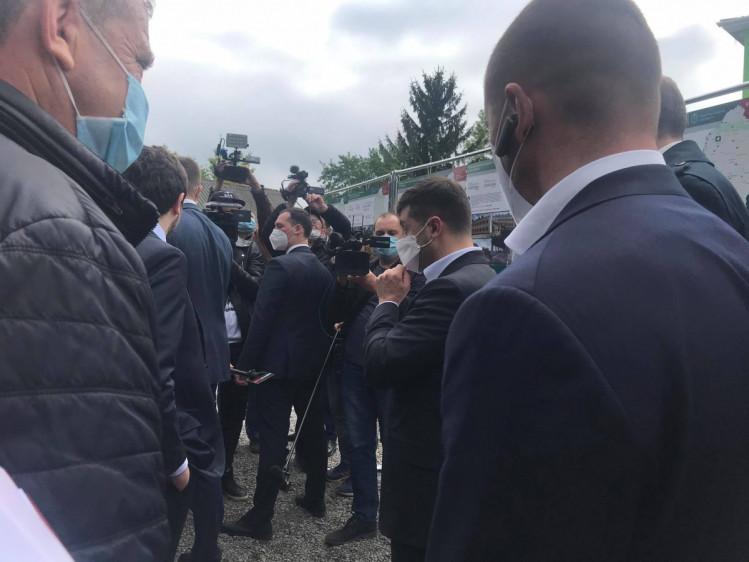 «Будут» штормить «страну!»: Зеленский выпалил эмоциональное заявление на Хмельнитчине. «Поломать им хребет»