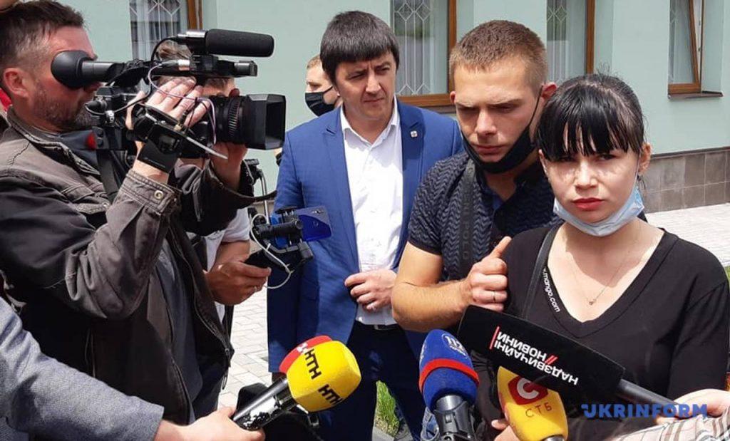 «Не стыдно душу продавать?» Новое решение суда по делу ребенка из Запорожья. «Ей не место в СИЗО»