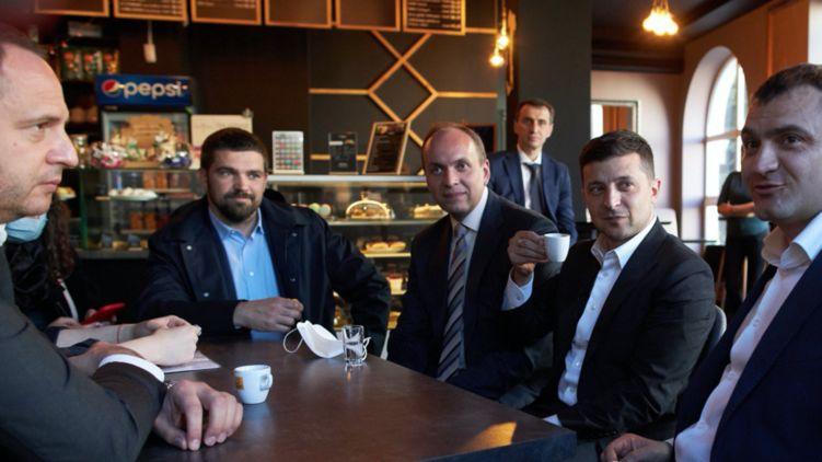 Суд принял решение! «Кофе с Зеленским» обернулось для топ-чиновников серьезным наказанием