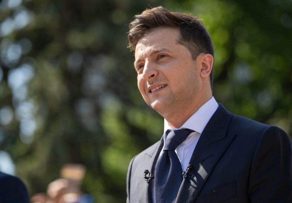 Такого еще не было! Зеленский подал в Раду неотложный закон. «Даст украинцам возможность решать»