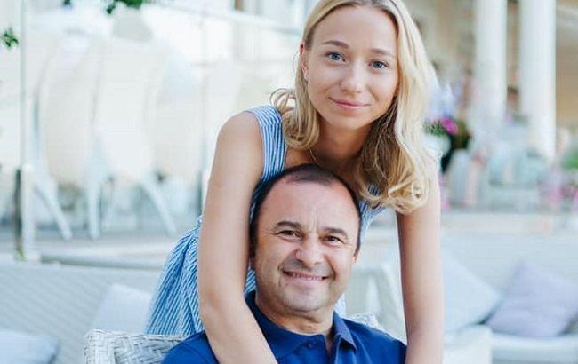 «Уже 12 дней супруги»: Виктор Павлик женился на своей 25-летней возлюбленной. Первые фото со свадьбы