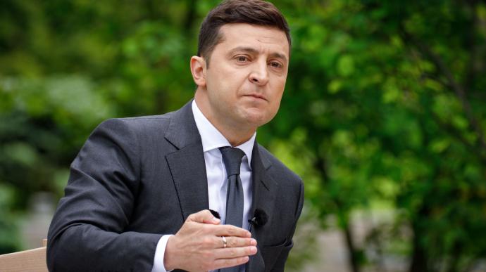 «Платим высокую цену». Зеленский пришел в Раду, обращение потрясло украинцев. «Будет господствовать в реальности»