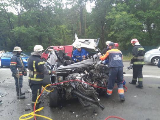 «Без деталей»: Стало известно в каком состоянии подросток, выживший в жуткой аварии под Киевом. «Потерял целую семью»