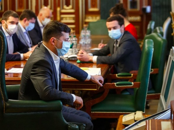 «Зеленский заставил написать заявление»: Украинцев ждет еще одна скандальная отставка. «На Банковой продолжают крышевать коррупцию»