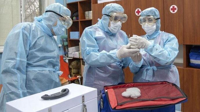 Опять больше тысячи! Обновленная статистика по коронавирусу в Украине. Лидер снова Львовщина