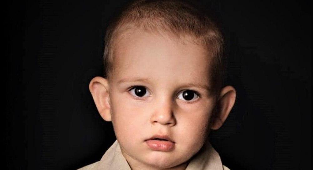 «В сливной яме рядом с домом!»: Нашли мертвым 3-летнего сына крымского политзаключенного. Мама мальчика в отчаянии …