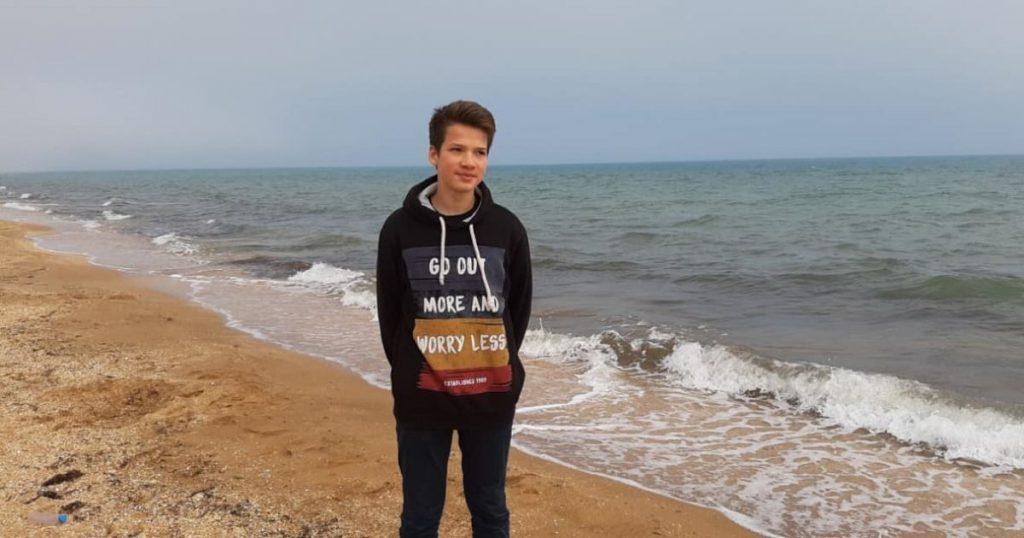 В нашей с вами помощи нуждается 15-летний Рома Шурмин из Николаева