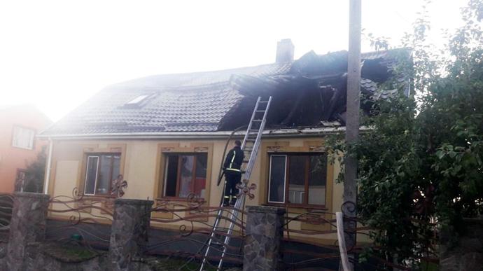Расценивают, как «политическое давление»! На Ровенщине подожгли здание местной «Батькивщины»