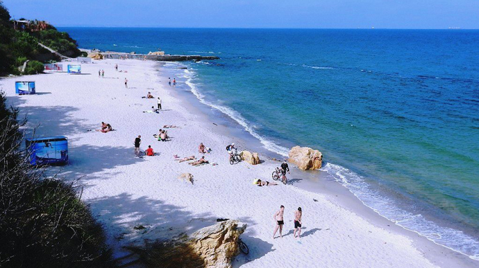 Сразу все пляжи Одессы! Населению рекомендуют не купаться