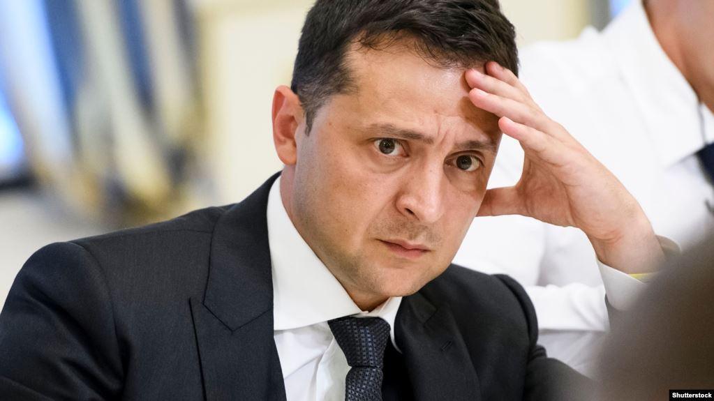 «Первое предупреждение»: Зеленский объявил жесткий выговор топ-чиновнику. «Пытался торговать должностями»