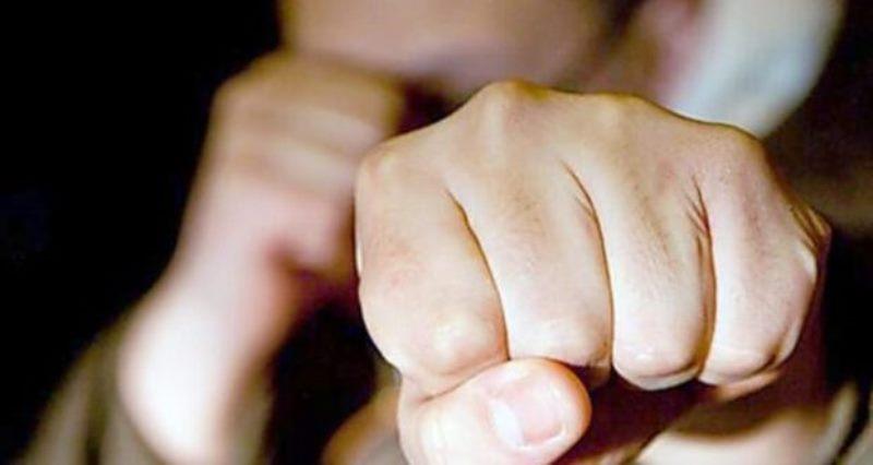 Ударил в лицо и скрылся. Неизвестный устроил дерзкое нападение на наржепа от «Слуги народа»: наказание не избегнет