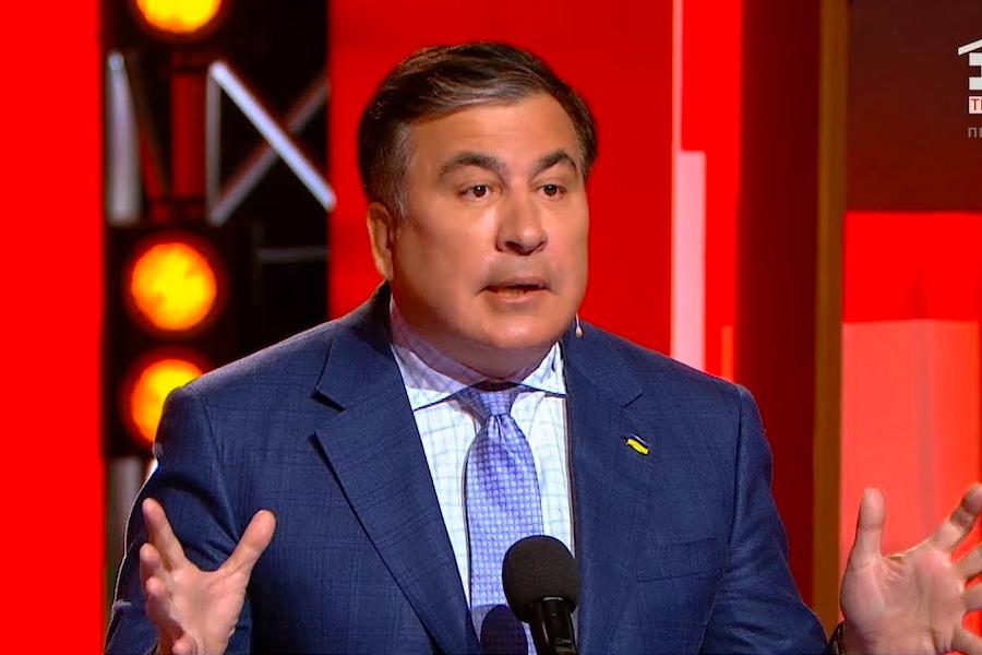 Саакашвили сделал громкое заявление в прямом эфире. Впервые назвал фамилию. «Они начинают блокировать»