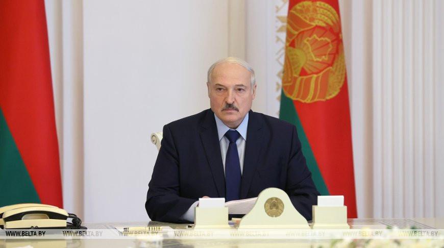 «Я пока жив» Лукашенко шокировал срочным заявлением, будут последствия. «Не должны держать»
