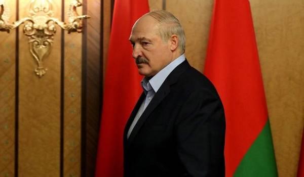 «У себя порядок наведите!»: Лукашенко не стал молчать. Выпалил скандальное заявление. «Страну мы никому не отдадим»