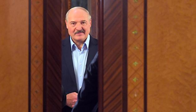 «Люди с криминальным прошлым и безработные»: Лукашенко созвал срочное совещание. «Навести порядок»
