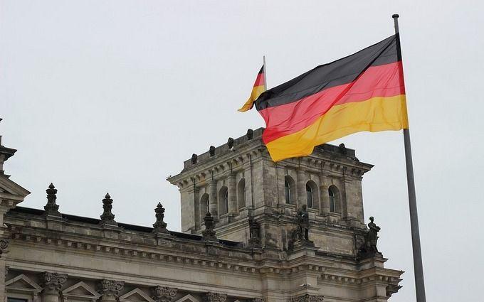 «Наш призыв». У Меркель поставили неожиданный ультиматум Зеленскому: нельзя останавливаться
