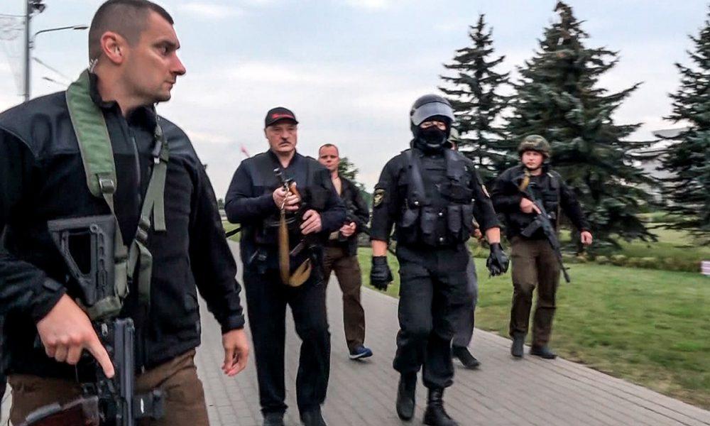 """Лукашенко окончательно «тронулся»! Его полностью окружили. Не находит себе места: """"чудовище"""" по-белорусски"""