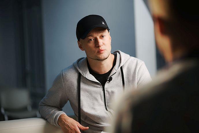 «Они сами разберутся» Андрей Хлывнюк выступил с эмоциональным призывом: «Вспомните, чья была кровь на Майдане»