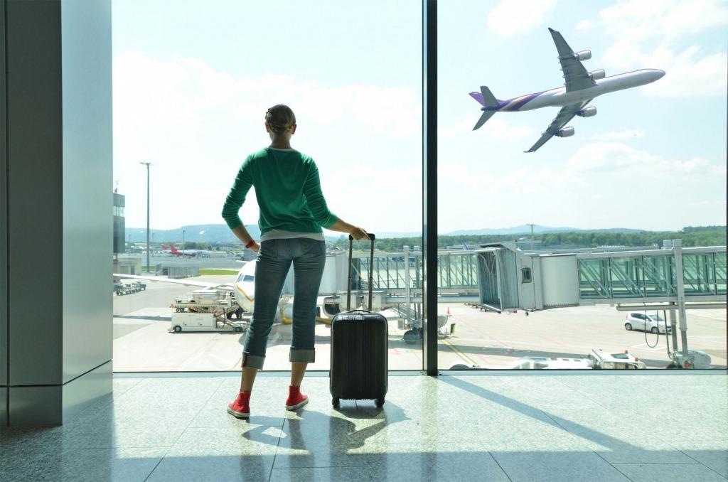 Почти 40 стран. Куда украинцы смогут улететь на отдых в августе: список сократился