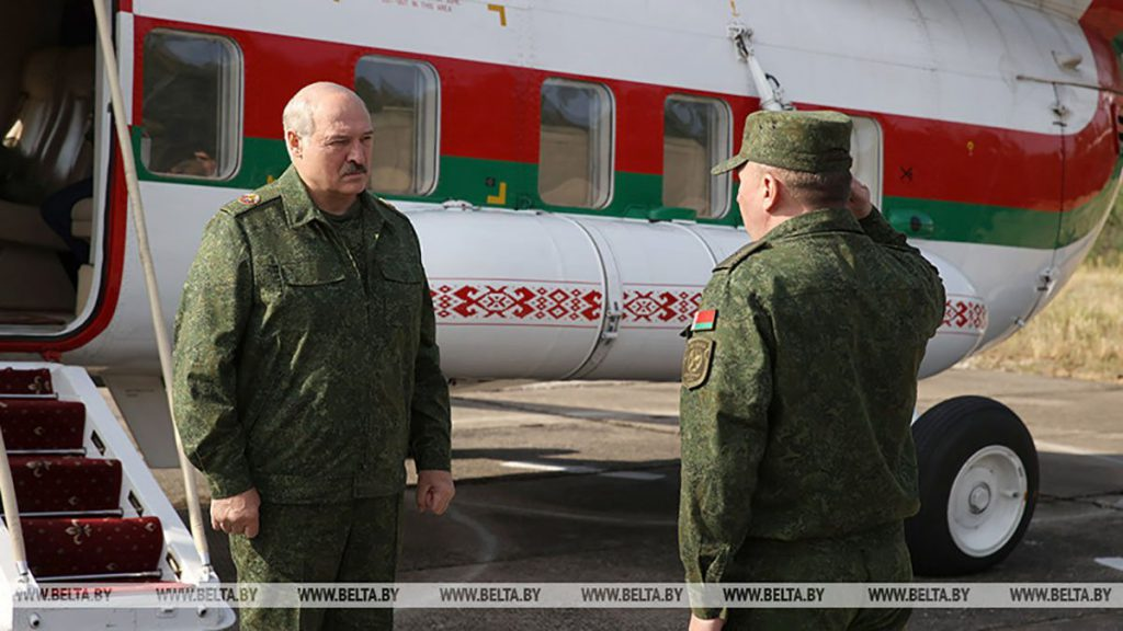 Немедленно! Лукашенко подвел войска к границе, бьет страшную тревогу: сам поехал