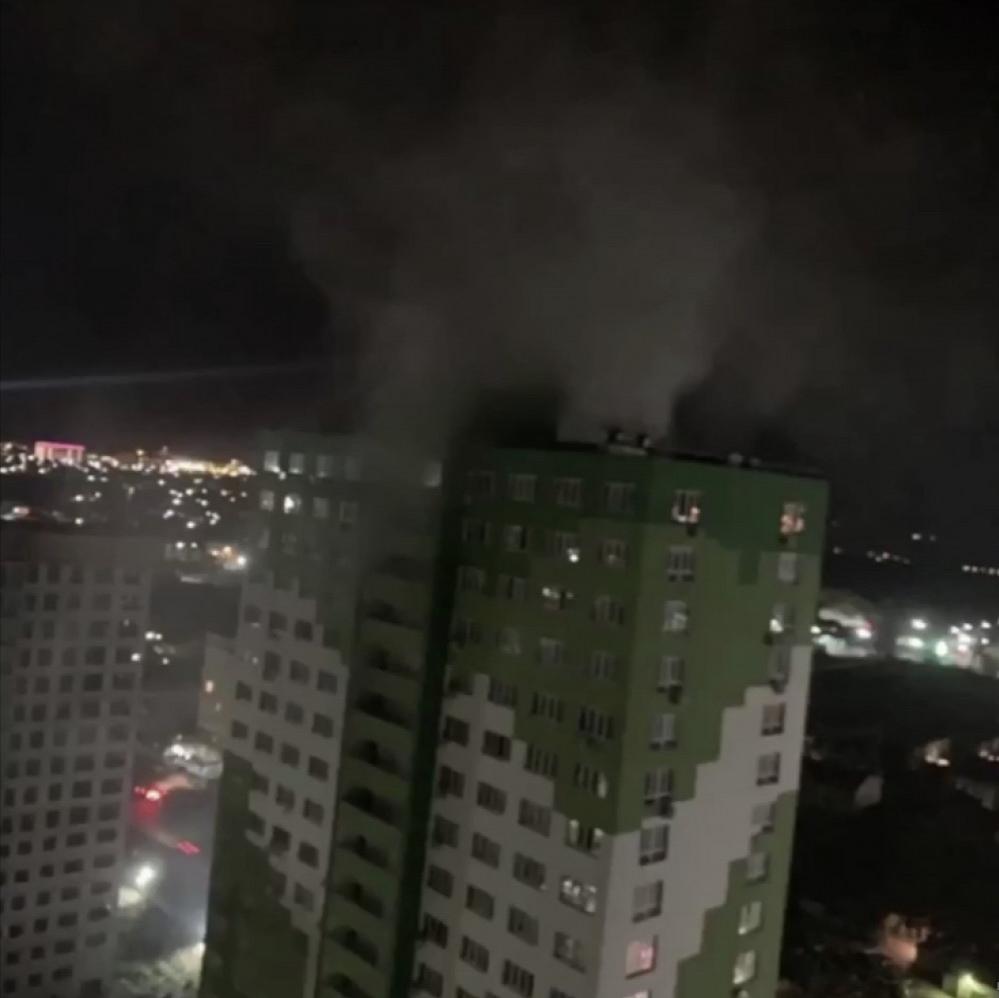 Жуткая ночь в Одессе. Горела двадцатиэтажка, дым было видно издалека. Жители предупреждали