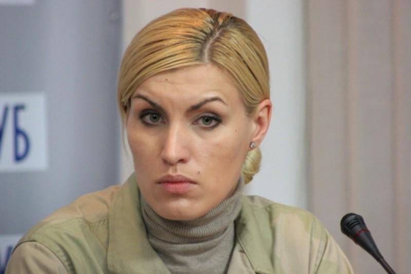 Угрожает самосожжением. Во Львове известная активистка решилась на немыслимое: «творится» беспредел «»