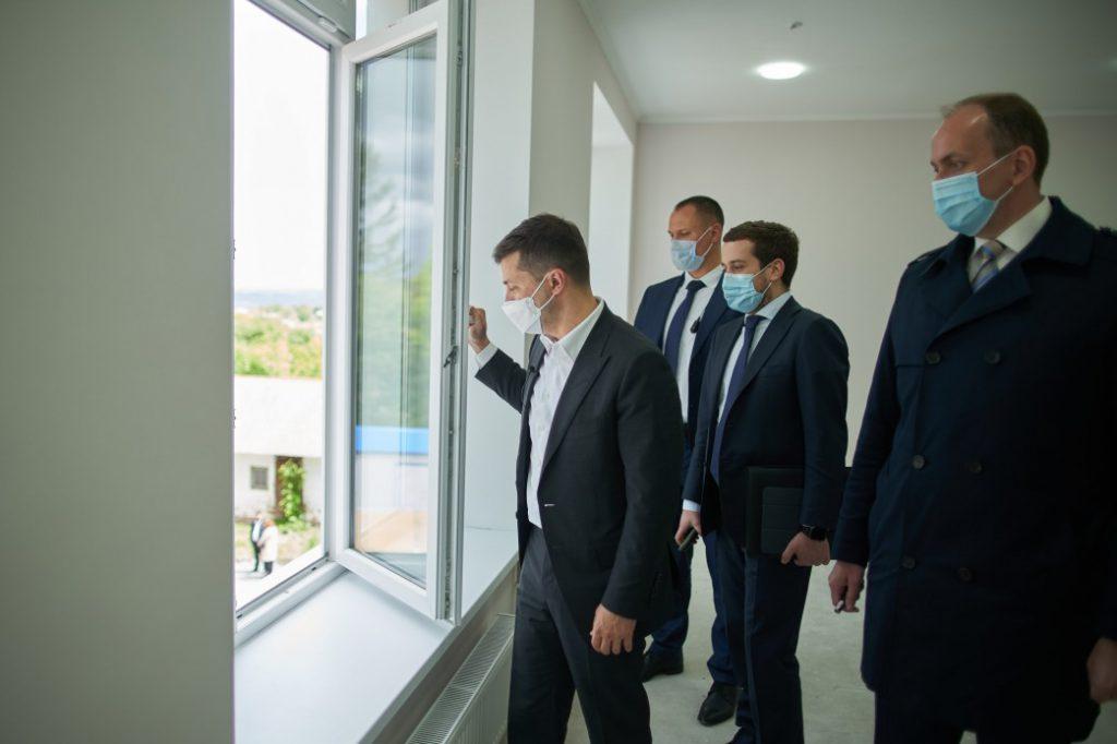 «Сколько можно врать людям?»: Он подставил Зеленского. Происходит немыслимое. «Только в тюрьму!»