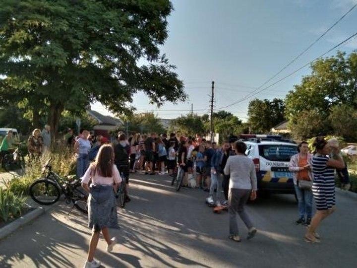 Банда подростков терроризирует город. Люди не стали молчать. Вышли на улицы!