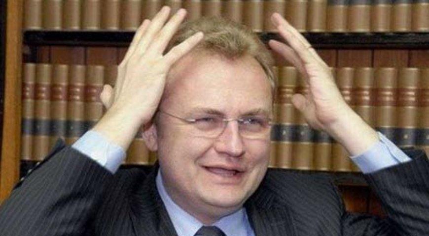 Вспышка коронавируса в Львовском горсовете. Более 20 чиновников руководящего звена инфицированы. «Ситуация тревожная!»