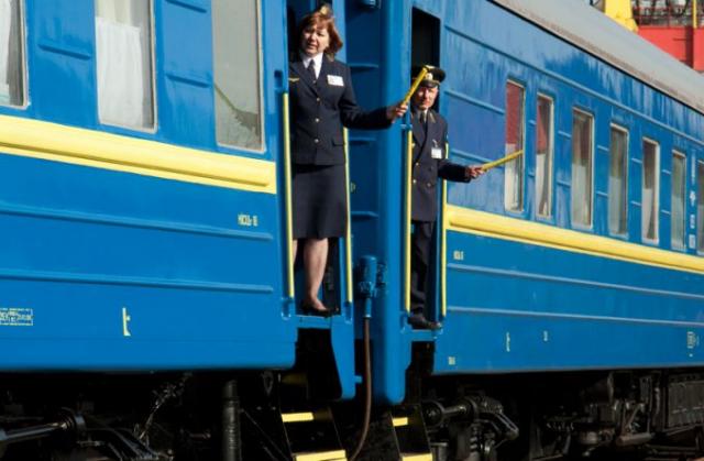 «Почему нас как преступников этапируют?» Тернополяне подняли бунт в поезде, возмущены указанием властей. «Стали заложниками»