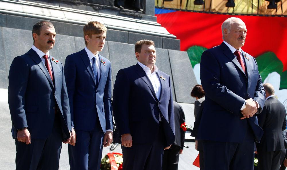 Тайна вскрыта! Лукашенко поймали — все понятно. Уже на выходных – это случилось, зажали!