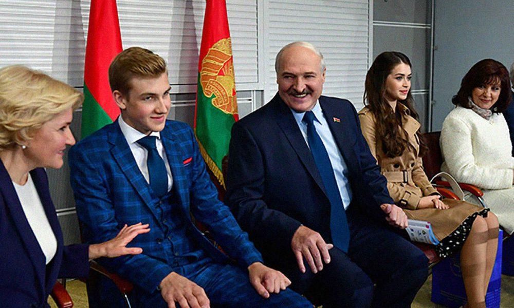 Срочно! Колю взяли в заложники. Лукашенко истерит — только что перехватили. Без отца — уже начали