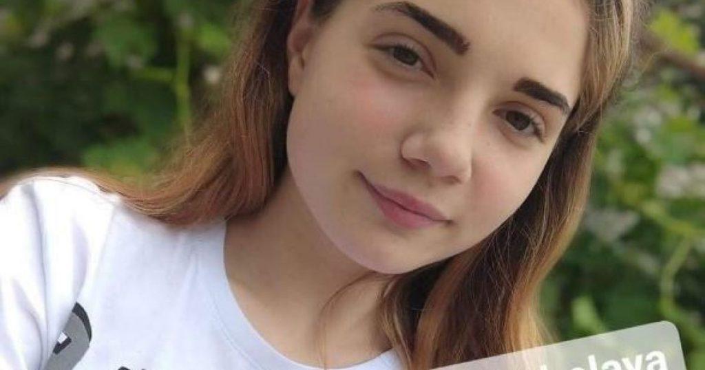 Большая опухоль на позвоночнике: 13-летняя Виктория нуждается в вашей помощи