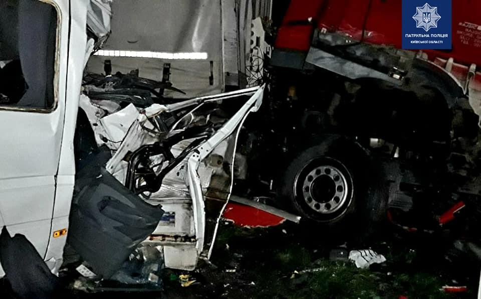 Пятеро погибших и 20 травмированных! Жуткое ДТП всколыхнуло страну, сразу четыре автомобиля: шокирующие детали