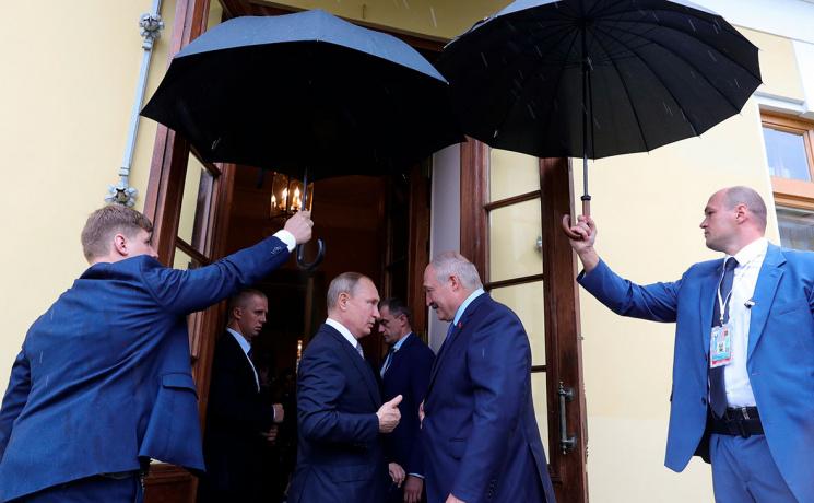 """Больше не президент! Только что случилось непоправимое, Лукашенко не признали: фатальный """"раскол"""""""