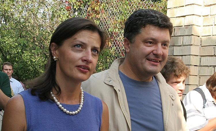 «Народ и так «схавает» образ «хранительницы»: Марина Порошенко оказалась в центре скандала. По всей столице — главное «хайп «