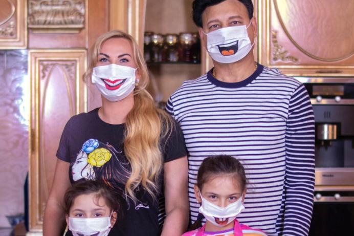 «Болеют все!»: Камалия рассказала как ее семья борется с коронавирусом. «Дышать тяжело. Боль в груди и …»