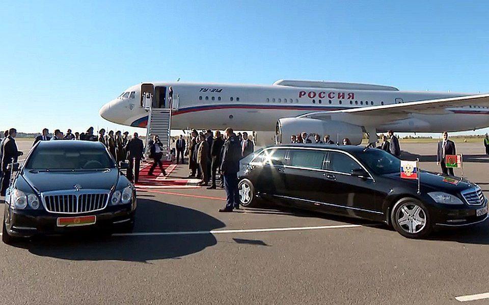 Рано утром! Взяли – Лукашенко истерит, ОМОН уходит. За диктатором пришли – уничтожили, уже все