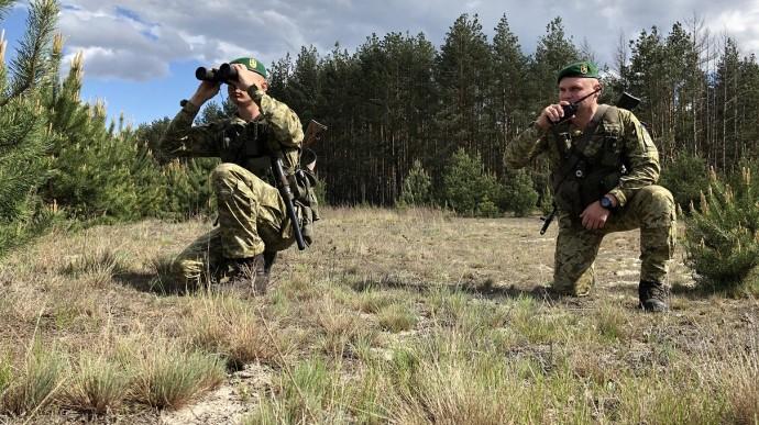 «В ход пошли беспилотники». В Украине приняли срочное решение — перевели в усиленный режим: важные детали
