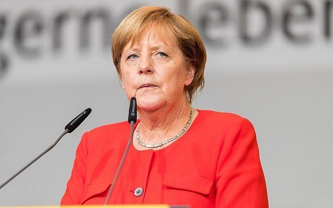 Немедленно прекратить! Меркель экстренно обратилась к ним — важные слова. Должны прислушаться