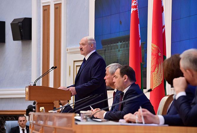 «Даже если бы и хотелось». У Лукашенко отреагировали на резонансное решение, оторванные от реалий. «Призывает в никуда»