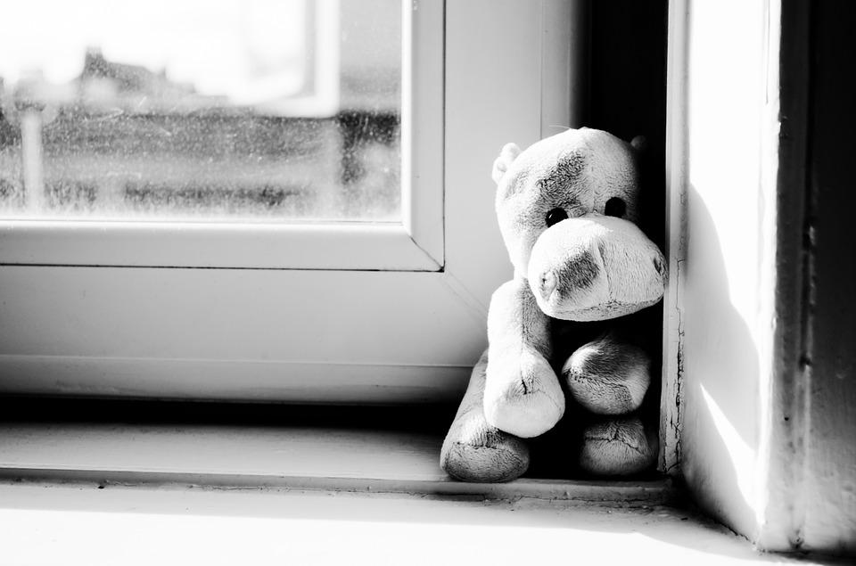 Застрелила дочерей и покончила с собой! Жуткое убийство всколыхнуло страну — им было 5 и 9 лет. Украинцы шокированы