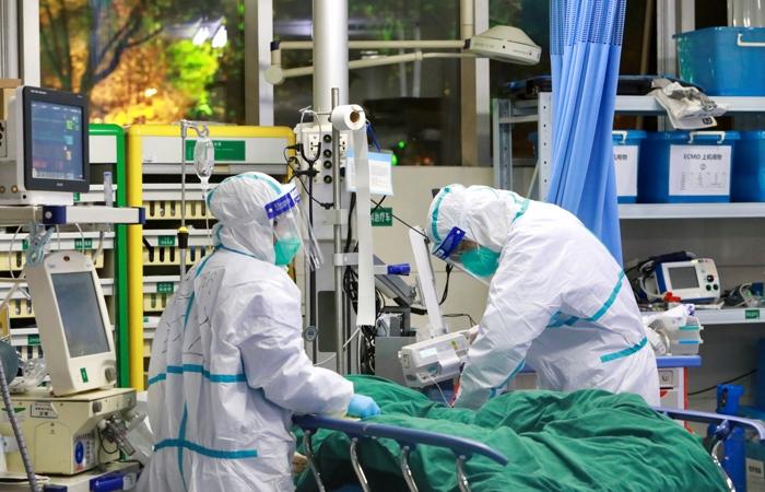 «Проходил лечение в частной клинике»: От коронавируса умер вице-перемьер страны