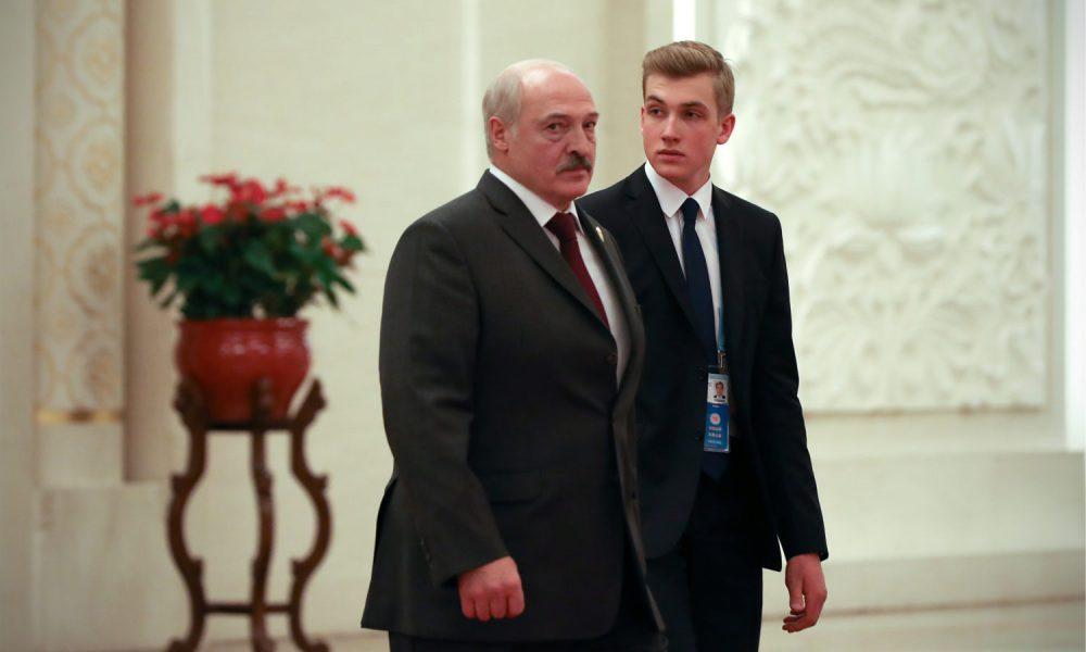 Коленька в истерике! Прямо сейчас – Тихановская уже там. Лукашенко сменили – новое правительство!