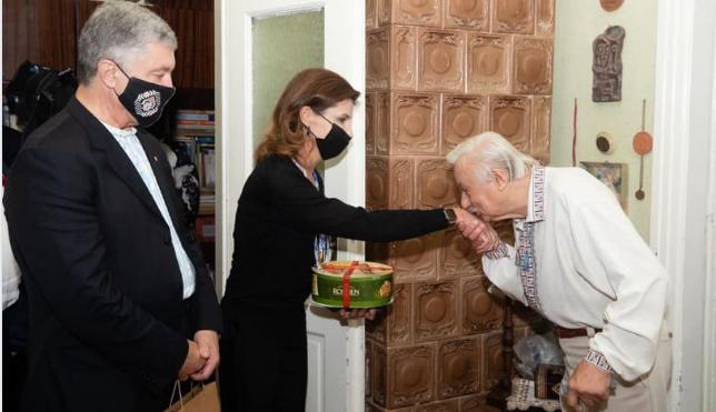 Марина в шоке! Прямо в доме — Порошенко такого не ожидал. Накрыли со всем, тайна раскрыта