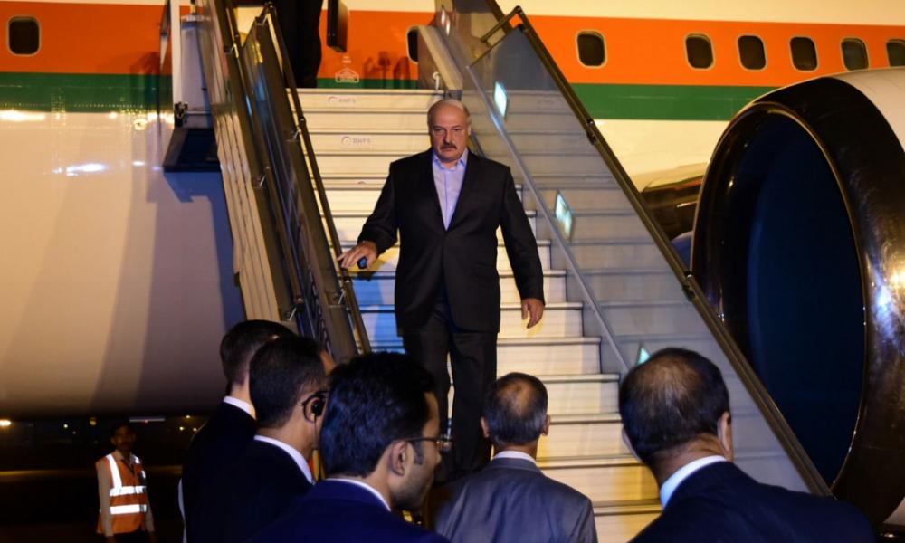 Срочно! Уехал – Лукашенко в панике, он побледнел бросил все. Больше не президент – подписано