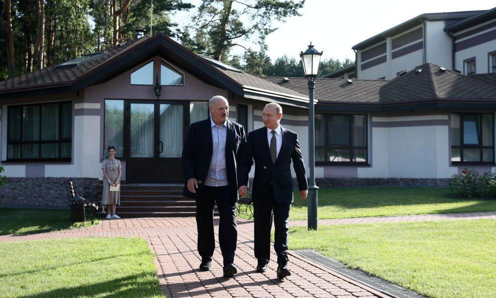 В состав РФ! Лукашенко ушел – срочное совещание, окружение в шоке. Уже на столе – это конец