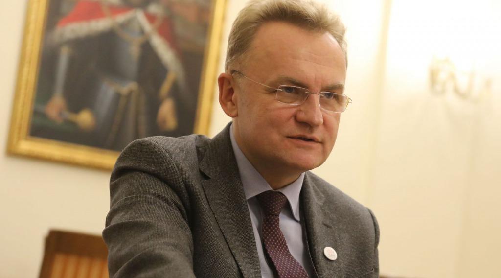 Садовый выпалил — жесткое заявление, украинцы шокированы. «При всем уважении» — отвернулся от страны